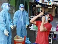 TP. HCM: Thí điểm hướng dẫn người dân tự lấy mẫu xét nghiệm nhanh kháng nguyên