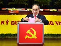 Đồng chí Nguyễn Thiện Nhân, Ủy viên Bộ Chính trị tiếp tục theo dõi chỉ đạo Đảng bộ TPHCM đến khi kết thúc Đại hội đại biểu toàn quốc lần thứ XIII của Đảng