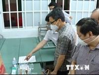 Phó Thủ tướng kiểm tra hoạt động chống dịch ở một số trạm y tế TP.HCM