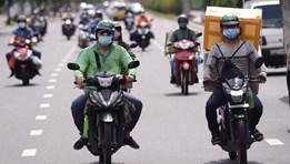 TPHCM: Shipper có thể đi chợ hộ cho người dân ở vùng xanh