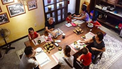 Các cơ sở kinh doanh dịch vụ ăn uống chính thức được phục vụ tại chỗ kể từ 28/10