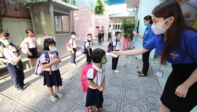 Sở GD-ĐT TPHCM khuyến khích học sinh đeo khẩu trang trong lớp học