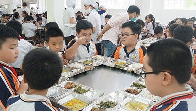 Phòng GD-ĐT quận 9 nhận trách nhiệm về chất lượng bữa ăn bán trú tại Trường Tiểu học Trần Thị Bưởi
