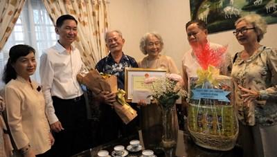 TP. Hồ Chí Minh tổ chức 15 đoàn đi thăm, chúc thọ người cao tuổi tiêu biểu