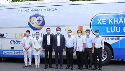 Bàn giao xe khám bệnh lưu động phục vụ chống dịch COVID-19 cho Sở Y tế TP Hồ Chí Minh