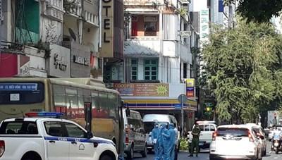 Khởi tố, bắt tạm giam đối tượng tổ chức cho người ở lại Việt Nam trái phép