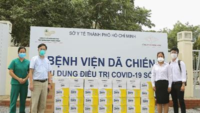 Vinamilk trao tặng sản phẩm dinh dưỡng sure prevent cho 50 bệnh viện tuyến đầu