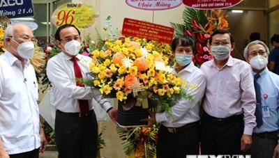 Bí thư Thành ủy Thành phố Hồ Chí Minh chúc mừng Hội Nhà báo thành phố