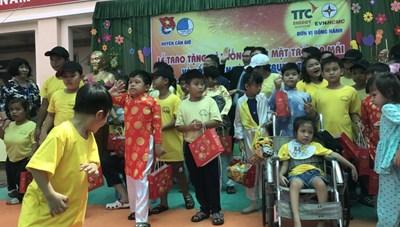 Trung thu yêu thương cho trẻ em nghèo