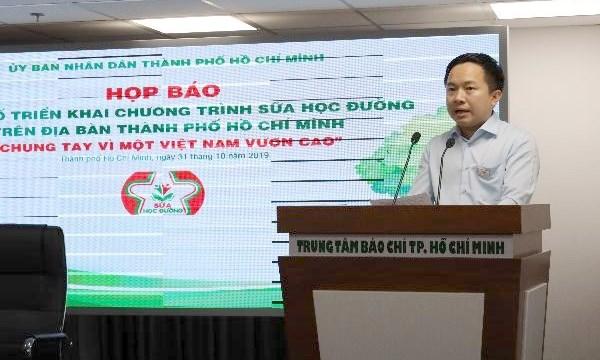 """TP. Hồ Chí Minh triển khai chương trình sữa học đường """"chung tay vì một việt nam vươn cao"""""""