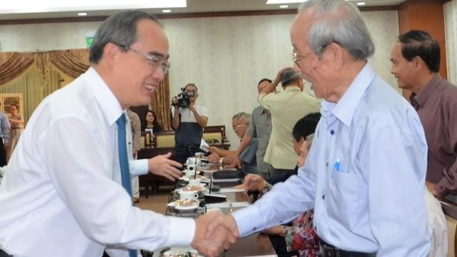 TPHCM mong muốn cán bộ cấp cao nghỉ hưu quan tâm đóng góp ý kiến, hiến kế cho sự phát triển của TP, đất nước