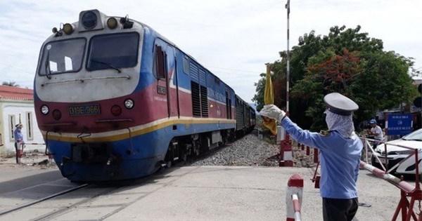 Khách đông, đường sắt lập thêm tàu SE5/6 trên tuyến Hà Nội - TPHCM