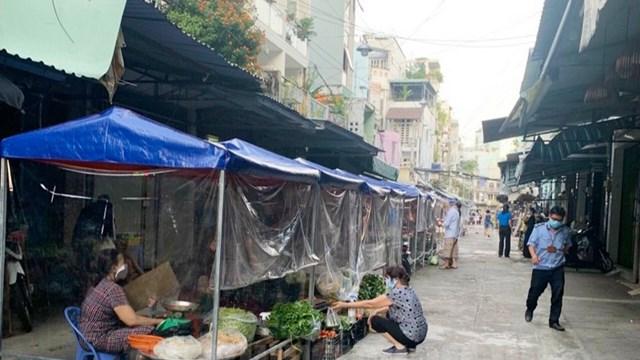 TPHCM có 68 chợ truyền thống hoạt động trở lại