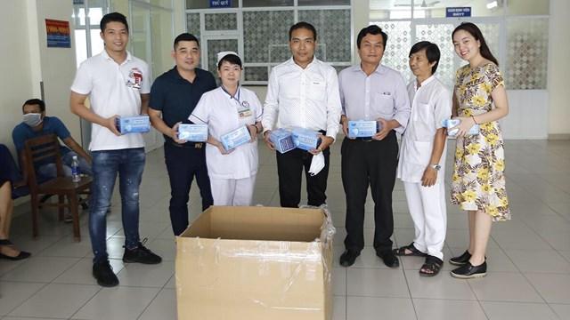 Tặng 250.000 khẩu trang kháng khuẩn cho các bệnh viện tại TP. Hồ Chí Minh và các tỉnh lân cận