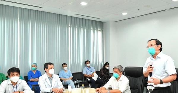 Bí thư Thành ủy TPHCM Nguyễn Văn Nên: Mũi tiến công quan trọng là Vaccine + Thuốc + Ý thức
