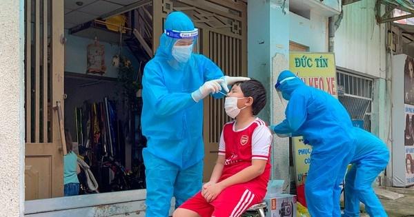 TPHCM: Hơn 20.000 F0 đang điều trị tại nhà, 70,3% người trên 18 tuổi tiêm đủ 2 mũi vaccine phòng Covid-19