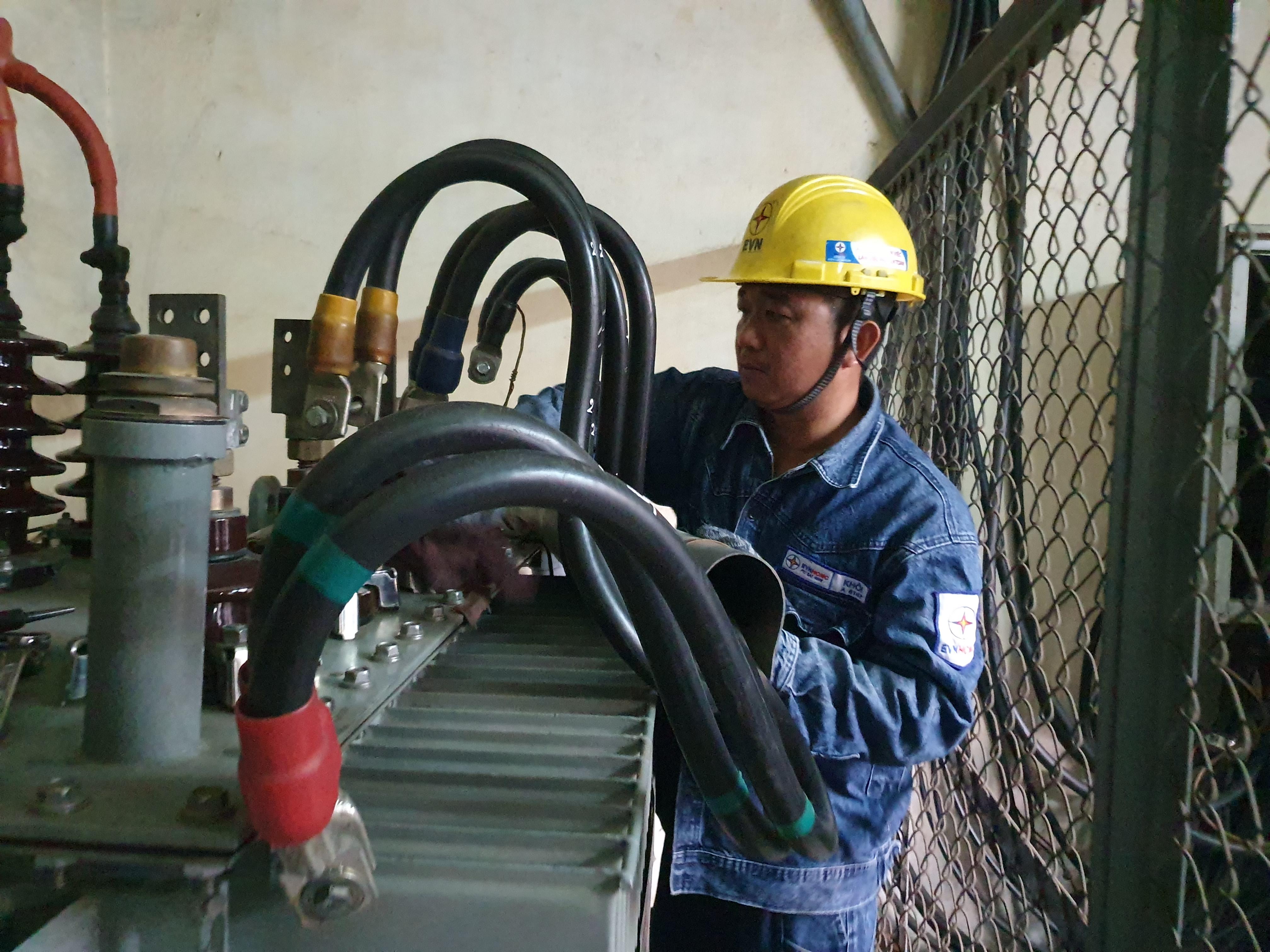 Với thủ tục cấp điện mới, khách hàng chỉ cần thực hiện một việc duy nhất là đăng ký cung cấp điện. Ảnh: VGP/Minh Thi