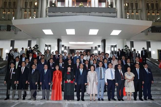 Thủ tướng Nguyễn Xuân Phúc với các đại biểu. (Ảnh: Thống Nhất/TTXVN)