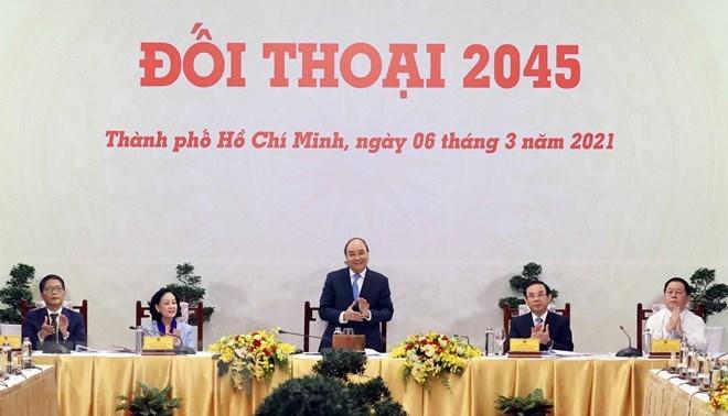 """Thủ tướng Nguyễn Xuân Phúc chủ trì cuộc """"Đối thoại 2045."""" (Ảnh: Thống Nhất/TTXVN)"""