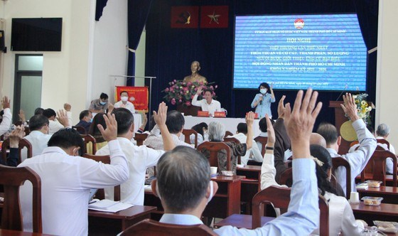 Hội nghị Hiệp thương lần thứ nhất đã biểu quyết thông qua số lượng, cơ cấu, thành phần người được giới thiệu ứng cử ĐBQH, ĐB HĐND TPHCM nhiệm kỳ 2021-2026. Ảnh: MAI HOA