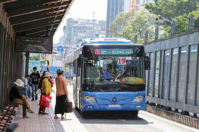 Việc triển khai thanh toán điện tử trên xe buýt mang lại nhiều tiện ích cho hành khách