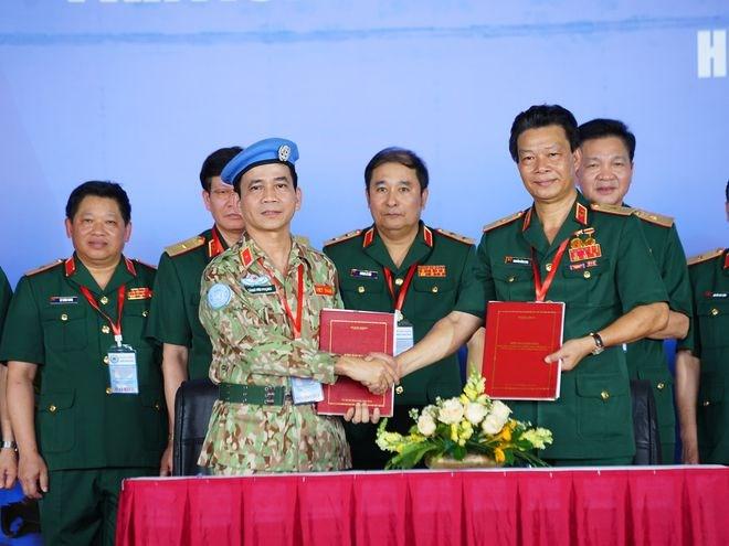 Bàn giao Bệnh viện dã chiến 2.3 từ Bệnh viện Quân y 175 cho Cục Gìn giữ hòa bình Việt Nam. ẢNH: ĐỘC LẬP