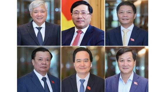 Trình Quốc hội miễn nhiệm12 Bộ trưởng. Ảnh: QUANG PHÚC
