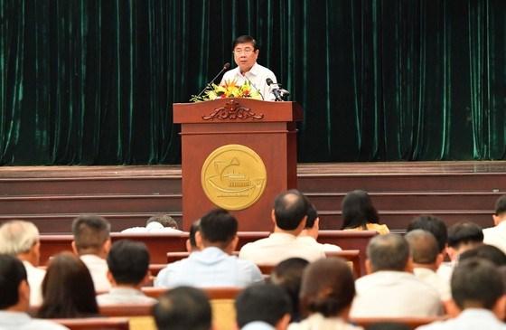 Chủ tịch UBND TPHCM Nguyễn Thành Phong phát biểu tại hội nghị Ảnh: VIỆT DŨNG