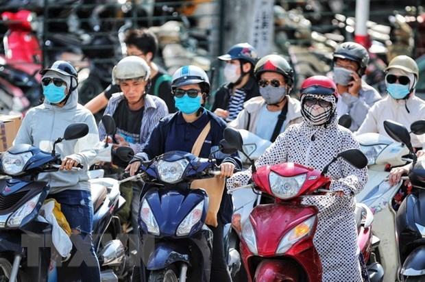 Chỉ số tia UV ở Hà Nội ở mức 6-8, nguy cơ gây hại từ trung bình đến cao. (Ảnh: Thành Đạt/TTXVN)