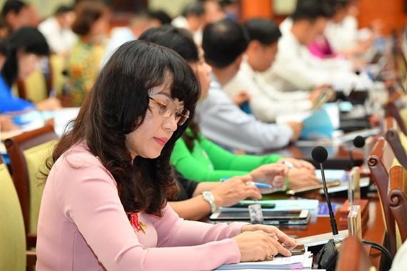Đại biểu tham dự kỳ họp thứ 25, HĐND TPHCM khóa IX. Ảnh: VIỆT DŨNG
