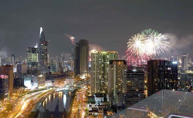 Thành phố Hồ Chí Minh sẽ tổ chức bắn pháo hoa chào mừng dịp Lễ 30/4 và 1/5. (Ảnh: Thanh Vũ/TTXVN)