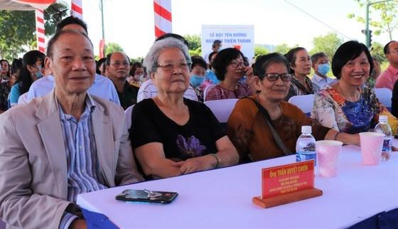 Niềm vui của gia đình các danh nhân, nhân vật lịch sử trong ngày đặt tên đường