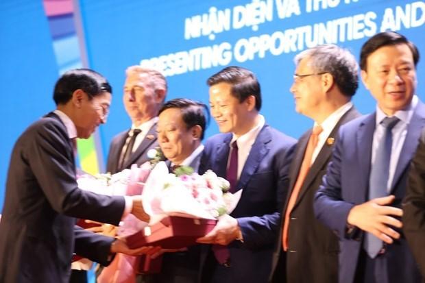 Doanh nghiệp FDI tiêu biểu nhận danh hiệu Rồng Vàng 2021. (Ảnh: Vietnam+)