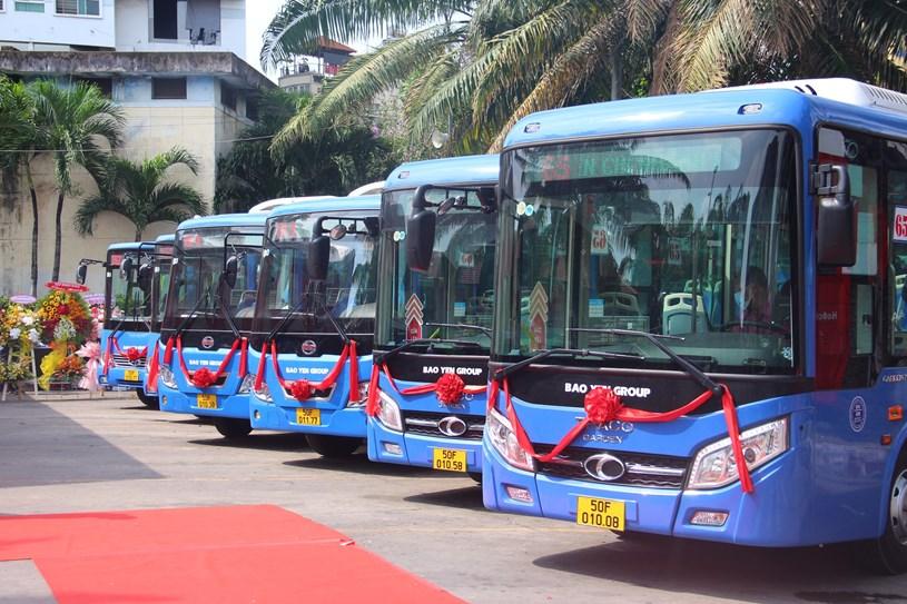 42 xe buýt mới, chất lượng cao được đầu tư vào 3 tuyến xe buýt 01,65 và 152. ẢNH: TRẦN TIẾN