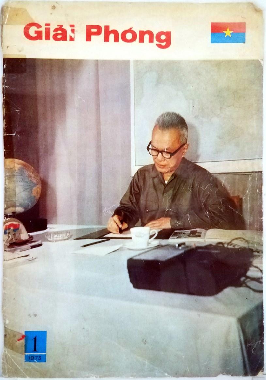 Báo ảnh Giải Phóng số đặc biệt do Chính phủ Cách mạng lâm thời Cộng hòa miền Nam Việt Nam phát hành chào mừng thắng lợi Hội nghị bốn bên ở Paris, tháng 1-1973