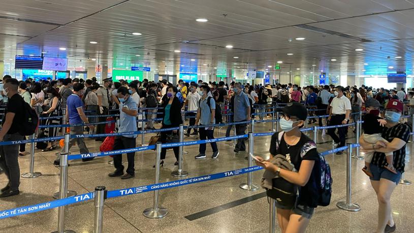 Sân bay Tân Sơn Nhất đón lượng khách cao nhất từ trước tới nay trong dịp nghỉ lễ 30/4 vừa qua.
