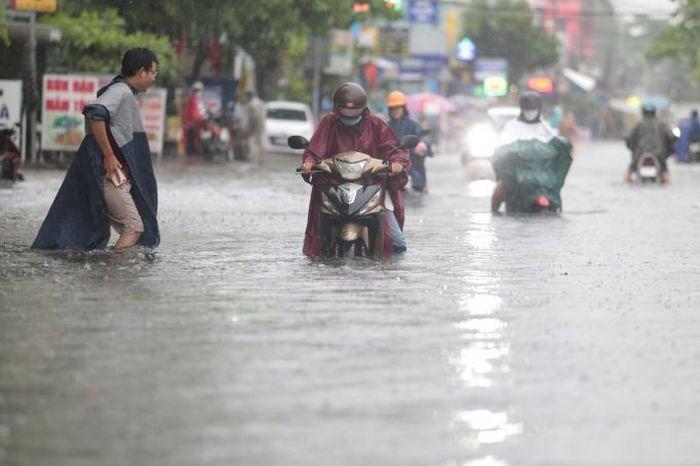 Cơ quan khí tượng dự báo TP HCM và các tỉnh, thành Nam Bộ sẽ có mưa dông đến 27/5.