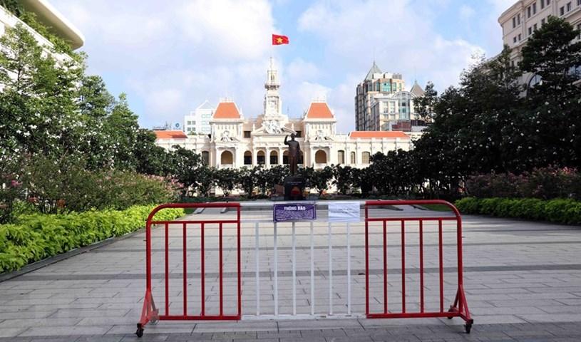 Khu vực phố đi bộ Nguyễn Huệ (Quận 1) đã được tạm ngưng hoạt động để phòng dịch COVID-19. (Ảnh: Thu Hương/TTXVN)