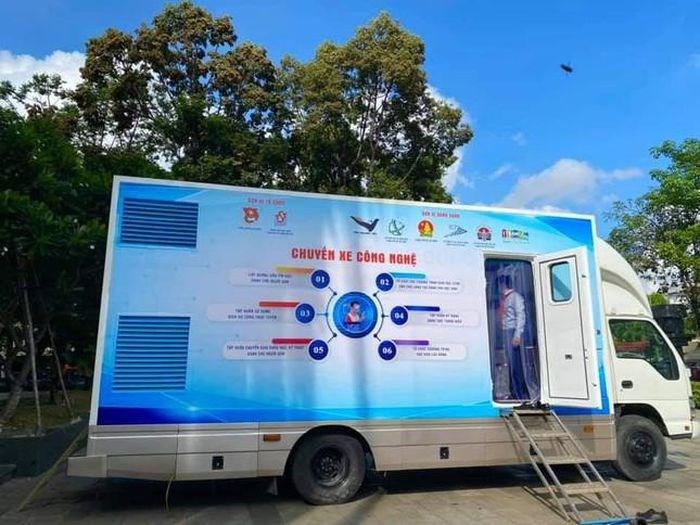 Những chuyến xe công nghệ phát huy tốt hiệu quả trong tình trạng dịch bệnh còn diễn biến phức tạp trên địa bàn TP. HCM.