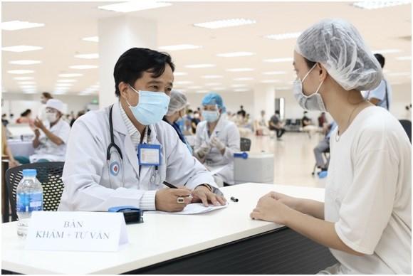 Tổ chức chích vắc xin phòng COVID-19 cho công nhân khu công nghệ cao TP. Thủ Đức (Nguồn: Văn Tùng - Trung tâm Y tế Thành phố Thủ Đức)