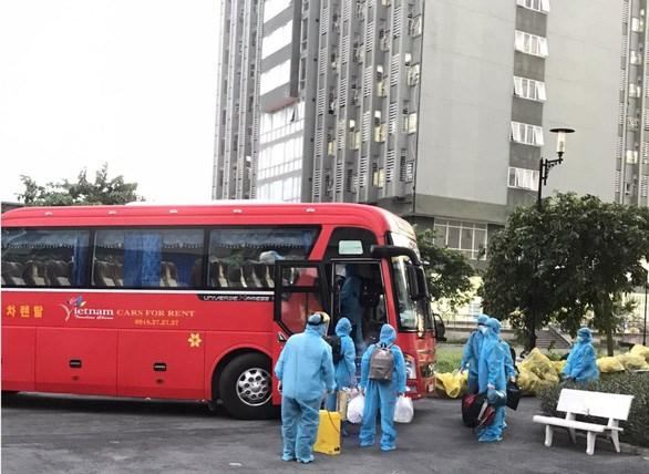 TP.HCM huy động 200 xe khách chuyên dụng vận chuyển người bệnh COVID-19 nhẹ - Ảnh: Sở Y tế cung cấp