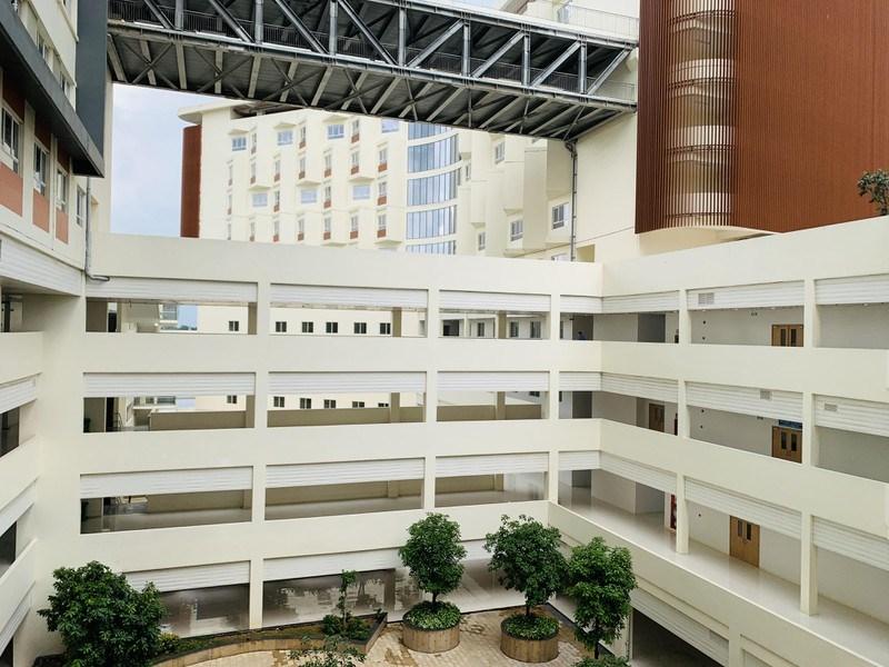 Cơ sở điều trị của cơ sở 2 Bệnh viện Ung bướu TP.HCM được chuyển đổi công năng thành Trung tâm hồi sức COVID-19 quy mô 1.000 giường.