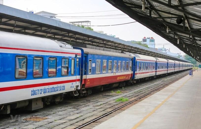Ngành đường sắt sẽ tạm dừng đón, trả khách ở nhiều ga địa phương trước bối cảnh dịch phức tạp. (Ảnh: Minh Sơn/Vietnam+)
