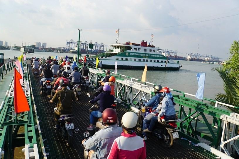 Từ 0h ngày 30/7, TPHCM tạm dừngvận chuyển khách qua bến phà Bình Khánh, Cát Lái