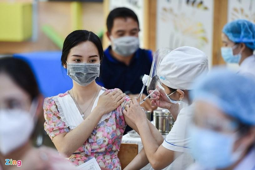 TPHCM tổ chức tiêm vaccine COVID-19 cho tất cả người từ 18 tuổi trở lên đang sống trên địa bàn