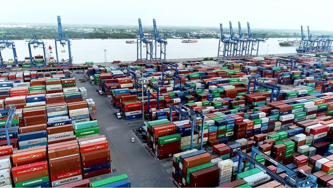 Hàng hóa tại cảng Cát Lái. Ảnh: Báo Người Lao Động