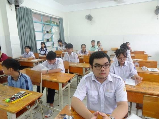 Thí sinh tham gia thi tuyển Kỳ thi tuyển sinh lớp 10 năm học 2020-2021