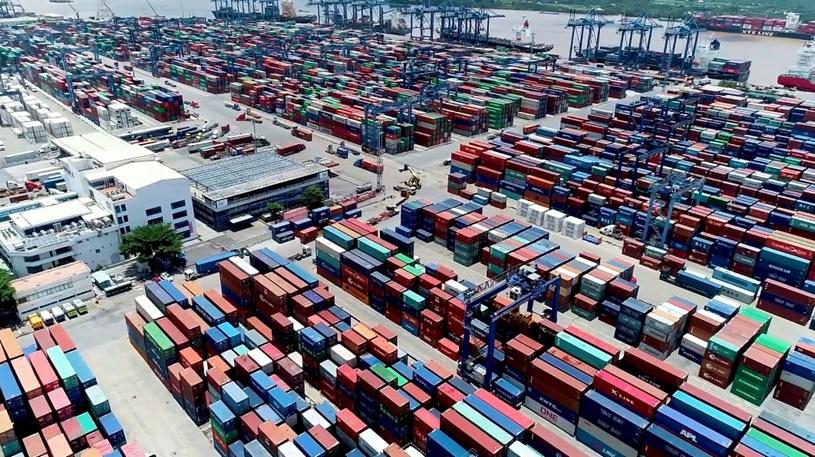 Hai tổ thông quan hàng hóa phục vụ phòng chống Covid-19 và chống ùn tắc hàng hóa do Cục Hải quan TPHCM thành lập nhằm hỗ trợ các doanh nghiệp vượt qua khó khăn mùa dịch Covid-19. ẢNH: CTV