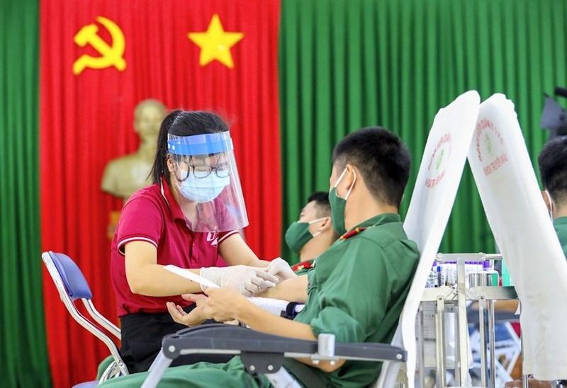 Trường Sĩquan Kỹ thuật Quân sự (quận Gò Vấp) tham gia hiến máu tình nguyện năm 2021
