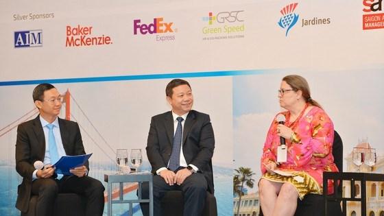 Tổng lãnh sự Hoa Kỳ Marie Damour phát biểu thảo luận tại Diễn đàn Doanh nghiệp TPHCM-Hoa Kỳ. Ảnh: VIỆT DŨNG